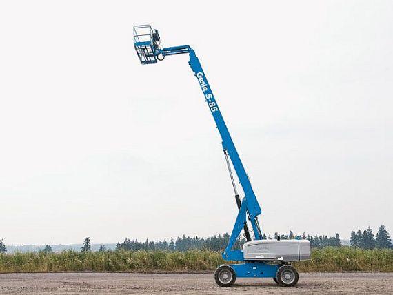 Dieselová teleskopická plošina 28m Genie S 85